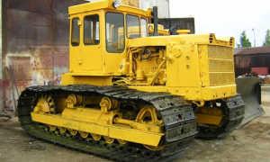 Гусеничный трактор Т-130 (Т-10.01) — бульдозер для тяжелых работ